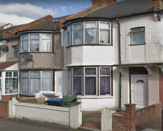 Impressive 5Bedrooms Terrace House Available to Rent in Sudbury Hill Ha0