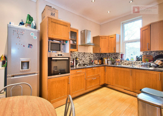 Sensational 4 Bed House With Study Room Plus Garden-3