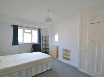 Medium Room in Preston Road Wembley 550Pm Including All Bills