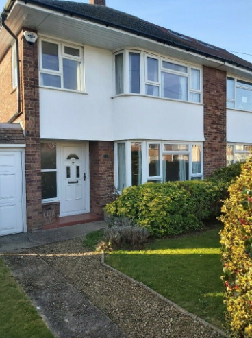 Fully Self Contained Three Bed House Available Long Term