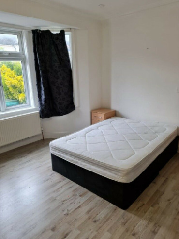 Double Room Fully Furnished on Garden Avenue