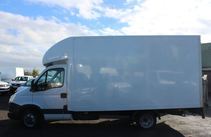 Iveco Daily 2.3 TD HD 35C13 LWB DriveAway Luton 2dr