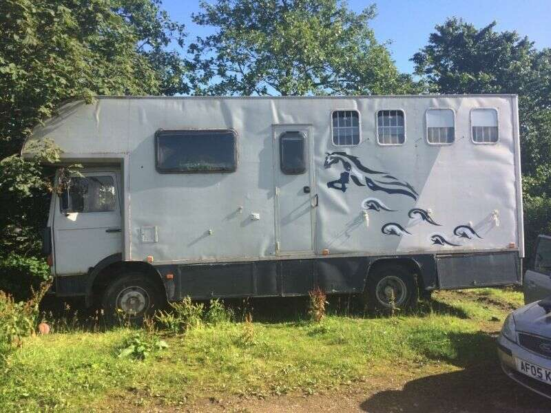 1983 7.5 tonne horse lorry for sale. Electric ramp good size living