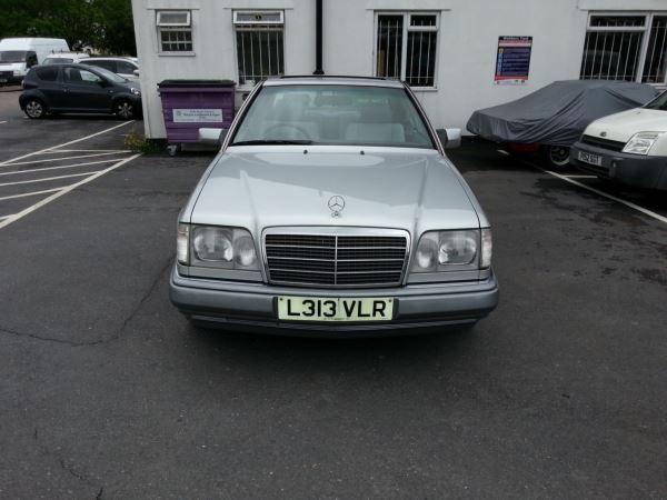 1993 Mercedes-Benz E Class 220