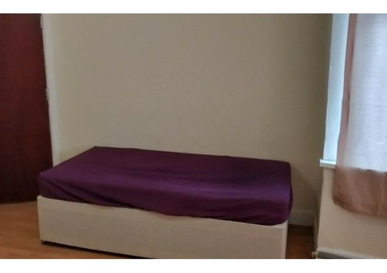 Extra Large Doubles Room Fully Furnished and Refurbished