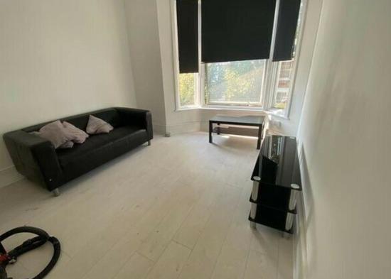 Spacious 2 Bedroom Flat to Rent