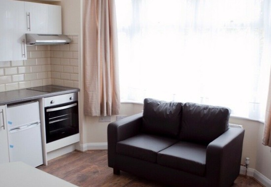 Available Now Studio Room with En-Suite